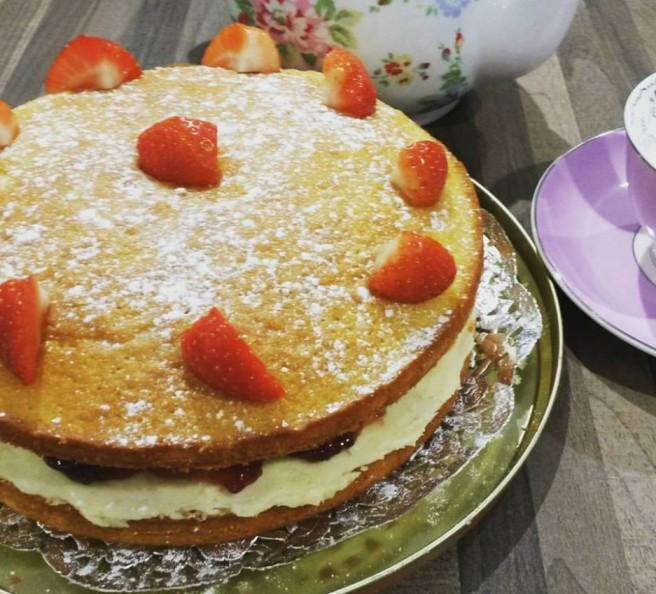 Victoria-Sponge-Cake-n.jpg