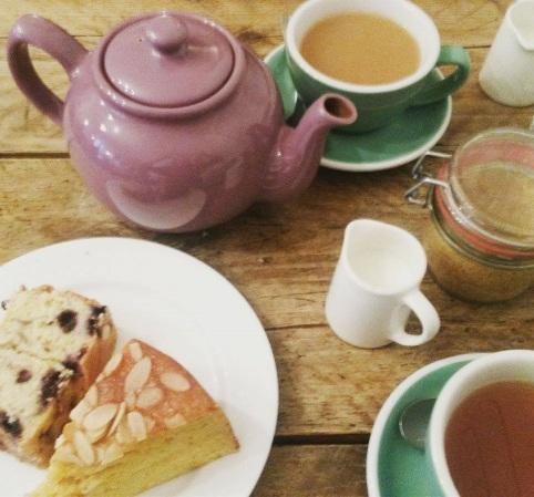 Cake_Tea_Hallys_n