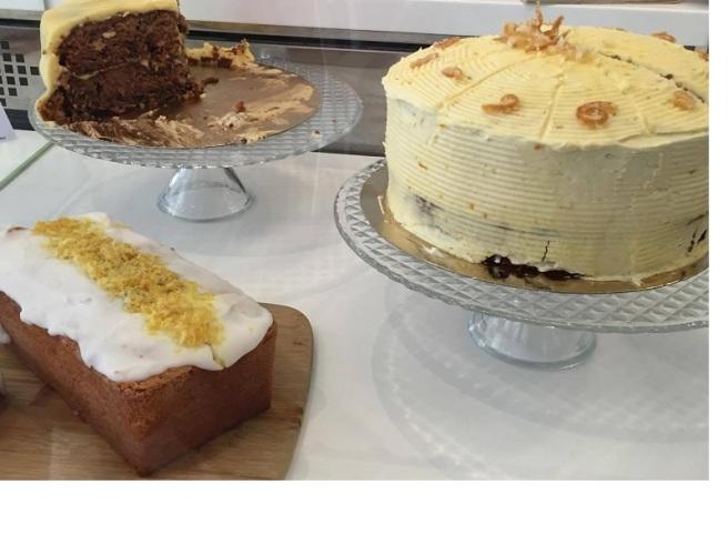 Finch_House_Cake2